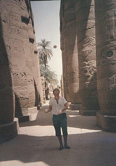 Luxor juggling