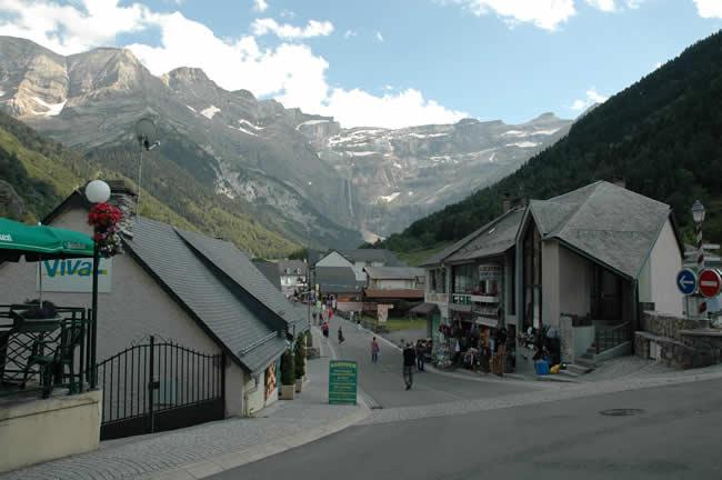 Gavarnie village and cirque