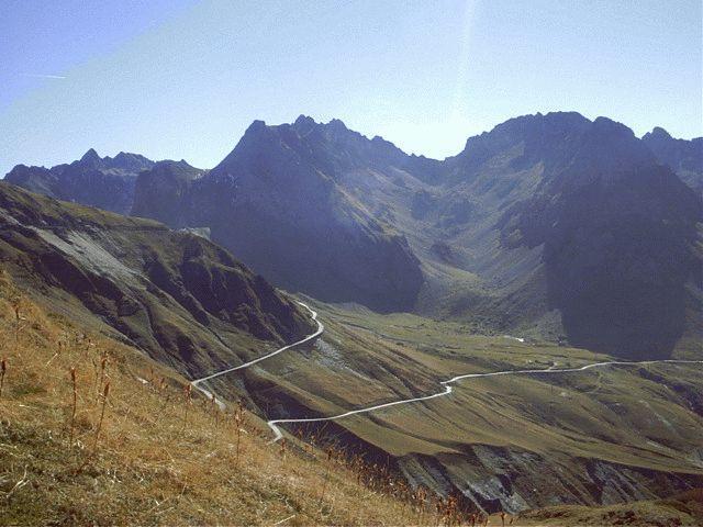 Route up Col du Tourmalet
